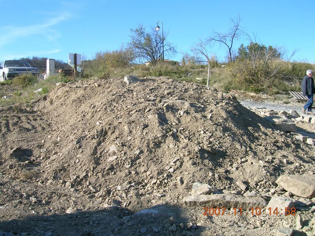Le début des travaux, un gros tas de terre !