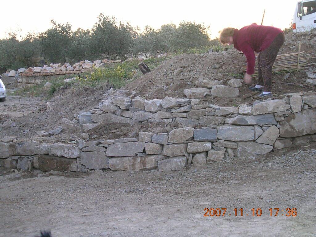 Murets de pierre sèche, jolis et stables.