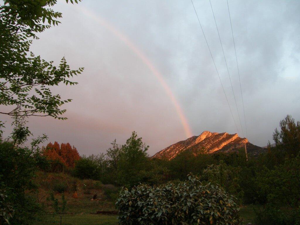 """6h du matin, la """"Marianne"""" cigaloise, vue de mon jardin."""