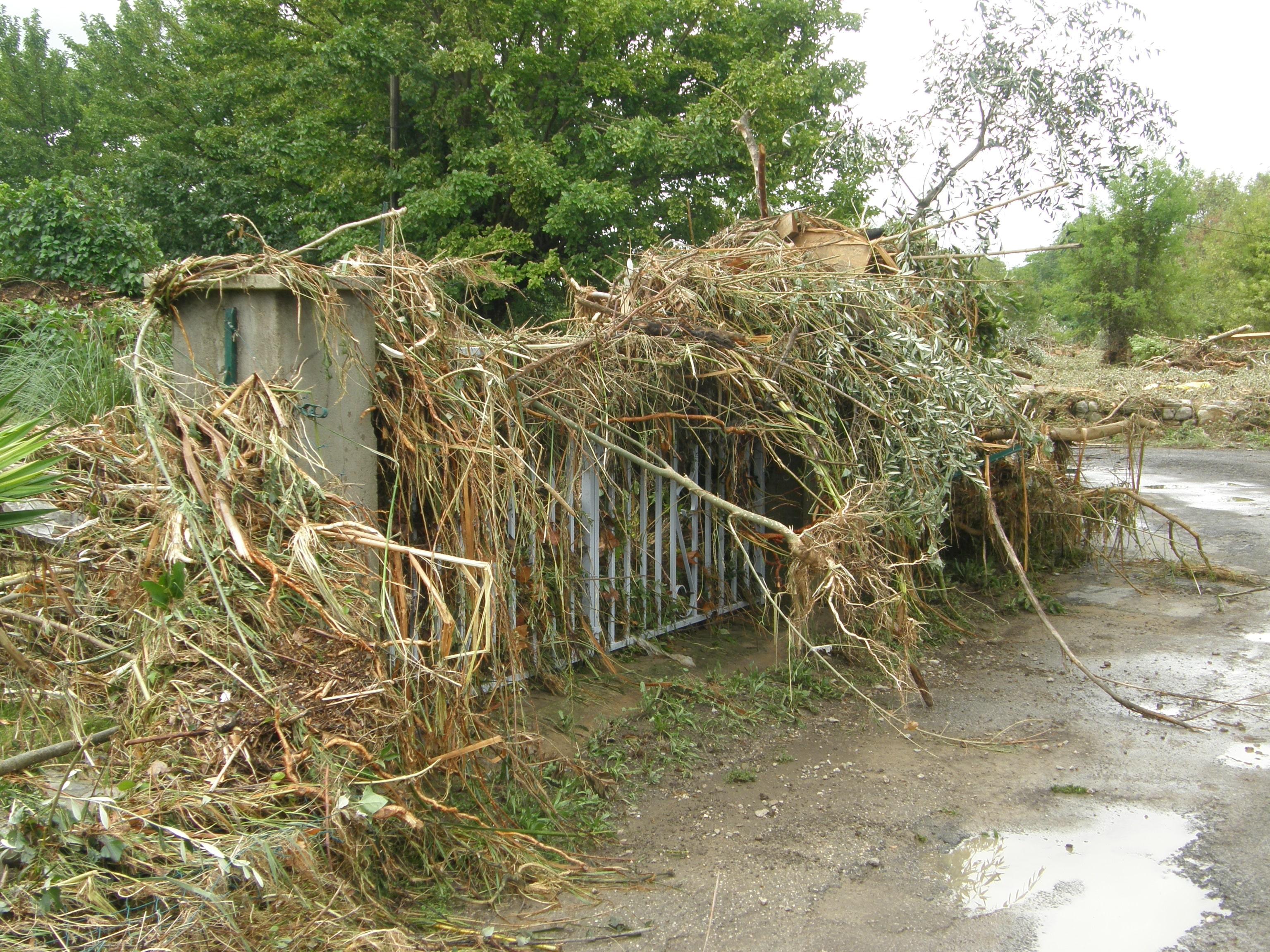 Inondations : passage du Vidourle hors de son lit